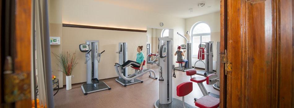 Alter Bahnhof - Gesundheitsstudio - Fitnessraum mit Geräten
